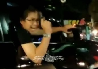 Setelah Acungkan Pistol, Pengemudi Fortuner  Yang Menabrak Honda Vario Ngumpet Di Sini