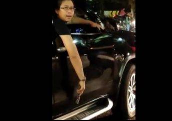 Koboi Jalanan Pengemudi Fortuner Acungkan Pistol Terancam Hukuman Seumur Hidup, Tabrak Pemotor