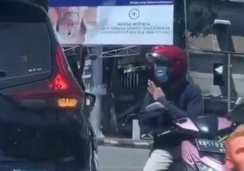 Senggol Mobil, Pemotor Ini Gak Kabur dan Meminta Maaf, Netizen Komentar Begini