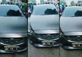 Viral Mobil Berplat Nomor Polisi Hantam Pengendara Motor di Surabaya