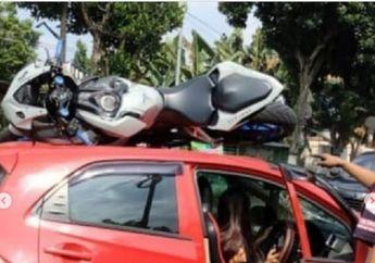Kediri Geger, Motor Honda CBR250RR Ringsek Nangkring di Atap Mobil