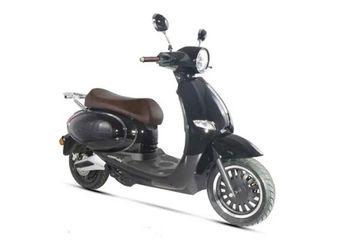 Muncul Motor Listrik Baru Mirip Vespa, Harga Mendekati Yamaha NMAX