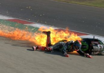 Ngeri! Melihat Kembali Video Kecelakaan Tom Sykes, Terseret dan Motornya Terbakar