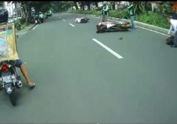 Ngeri! Video Pengendara Honda CBR Hajar Pengendara Wanita Sampai Enggak Sadarkan Diri