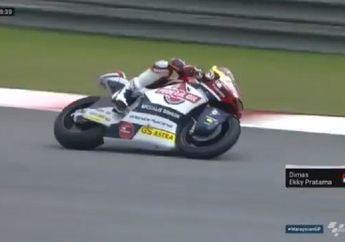 Video Aksi Dimas Ekky di Latihan Resmi 1 Moto2 Malaysia, Semakin Kencang!