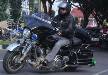 Gara-gara Tiang Listrik, Pengacara Setya Novanto Jadi Naik Daun. Eh Ternyata Anak Harley Owners Group