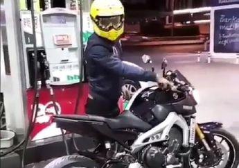 Video Biker Alay! Geber-geber Motor di Dalam SPBU Knalpot Keluar Api, Awas Kebakaran