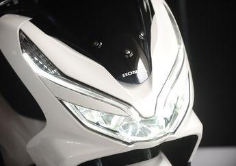 Motor Rawan Terpeleset Saat Musim Hujan, Headlamp Honda PCX 150 Jangan Sampai Pecah, Harganya Bikin Ngelus Dada