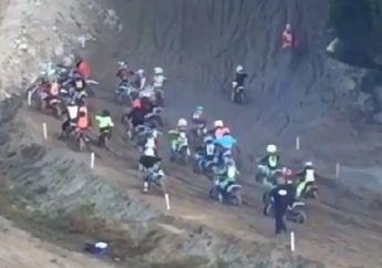 Gokil! Trek Kelewat Ekstrim, Peserta Balap Motocross Terjungkal dan Bertumbangan Simak Videonya