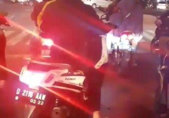 Video: Ini Contoh Bikers Paling Alay di Jalan, Pakai Lampu Strobo di belakang!