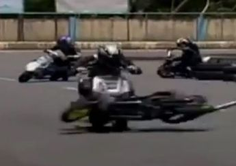 Video Tackle Paling Sangar di Road Race, Sok Depan Sampai Patah!