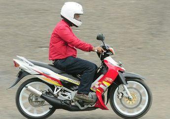 Naik Motor Cc Kecil Pakai Helm Full Face, Safety Atau Alay Sih?
