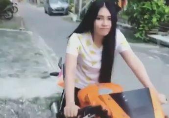 Bikin Geger! Video Via Vallen Libur Manggung,  Malah Asyik Pamer Naik Honda CBR150