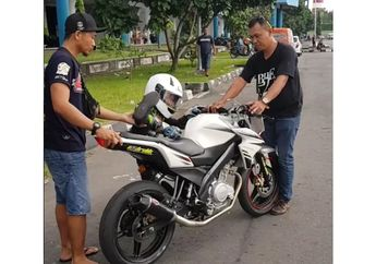 Naik ke Motor Aja Susah Bocah Ini Gape Rebahin Yamaha V-ixion, Ternyata Murid Pembalap Moto2
