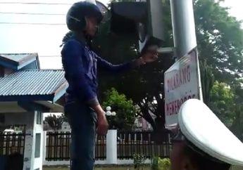 Video Pemotor Enggak Tahu Aturan Tertangkap Polisi, Hukumannya Bikin Muka Merah