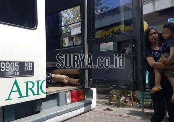 Mengiris Hati.. Anak Korban Bom Motor di Gereja Surabaya Nangis Minta Main Di Mobil Jenazah