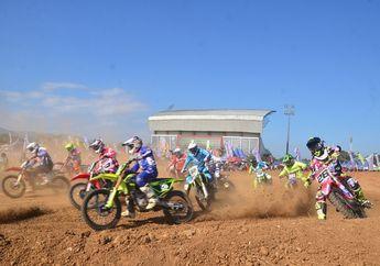 Kabur Saat Kejurnas Motocross Banjar, Crosser Bule Malah Dikasih Piala