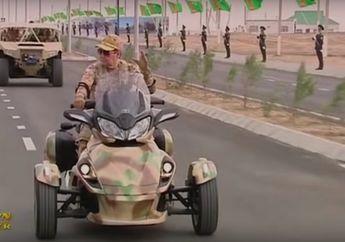 Naik Moge Seharga Rp 700 Juta, Presiden Turkmenistan Keliling Bareng unit militernya, Nih Videonya..