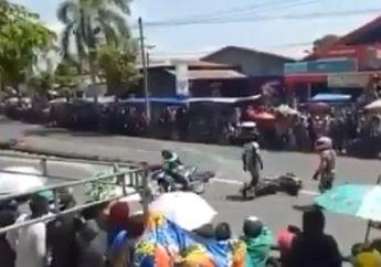 Balap Nasional Ternoda, Video Dua Pembalap Terlibat Tabrakan dan Langsung Layangkan Tendangan Kung-fu