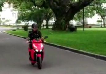 Video Jokowi Naik Motor Listrik Gesits, Hati-hati Banget Pak!