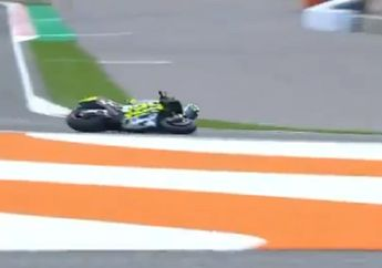Ngeri, Andrea Iannone Terseret Sampai Motor Percikan Api di Tes Pramusim MotoGP Valencia