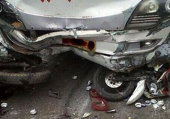 Fatal, Pemotor Senggol Pembatas Jalan dan Terjatuh, Langsung Dilindas Truk Hingga Tewas