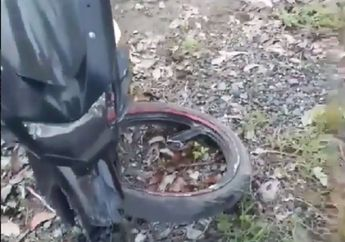 Ngeri, Anak Sekolah Naik Ninja RR 150 Seruduk Mobil, Ban Depan Sampai Copot