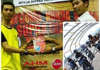 Bagi-Bagi Buku di Jambore Honda Supra