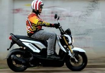First Ride Honda Zoomer-X, Sensasi Skubek Naked