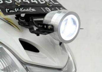 Pasang Lampu Sorot LED, Terang dan Hemat Listrik