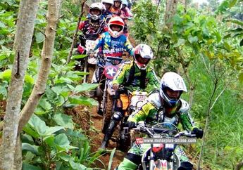 Bandung Rawan Banjir, Biker Bandung Raya Trail Adventure Tanam Jambu Air di Manglayang