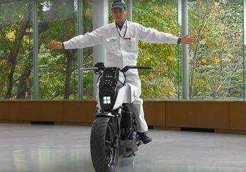 Video Motor Honda Tanpa Standar Tapi Bisa Berdiri Tegak