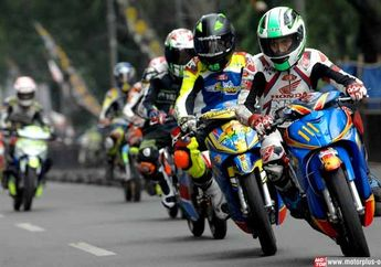 Honda Blade Road Race Supermoto Racing Challenge 2015 Malang