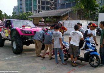 Gajah Monster Digeret Mio GT, Cuma Ada di Impossible Matic By Yamaha Ajang 'Tumplek Blek' 2014