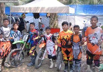 Motocross SE85 dan SE 65 cc, Peserta dan Tim Selalu Kompak Agar Dapat Jatah Lomba