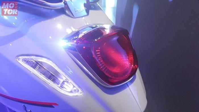 Lampu belakang sudah mengusung teknologi Light Emitting Diode (LED)