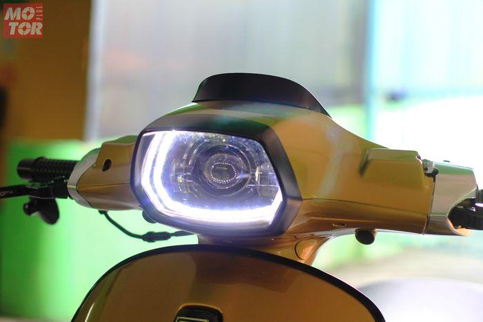 Lampu utama menggunakan Maxirace berisi LED projector lengkap dengan DRL