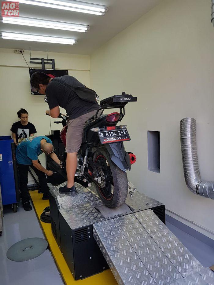 Proses Dynotest mesin Axis buat motor di Alfa Jaya Motor