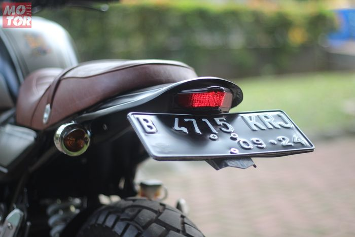 Sepatbor belakang Suzuki Inazuma diganti tail tidy aftermarket yang include stoplamp 3 in 1