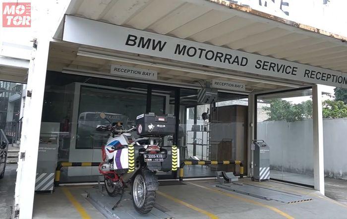 Area penerimaan servis motor BMW