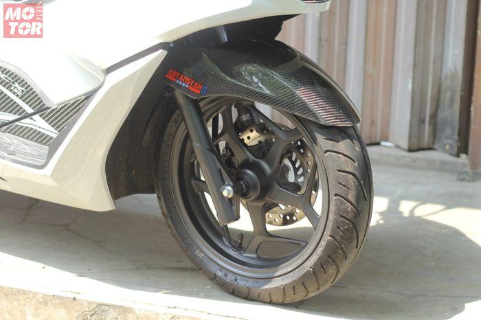 Sepatbor Honda PCX 160 buatan MM Customs, desain seperti standar namun lebih ringan