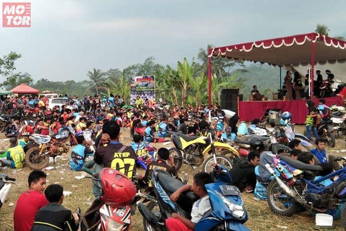 Peringati Hari Bhayangkara Ke 72 Sekaligus Halal Bihalal Ala Barudak Komunitas Cisalak Subang