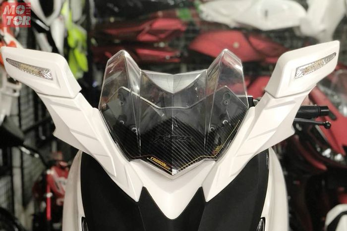 Spion VND Racing model Transformers Yamaha XMAX 250