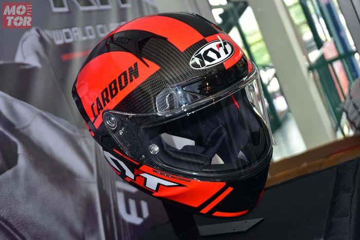 KYT NX-Race ada yang berbahan composite dan full carbon
