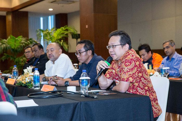 Thomas Wijaya menjelaskan kendala motor listrik di Indonesia