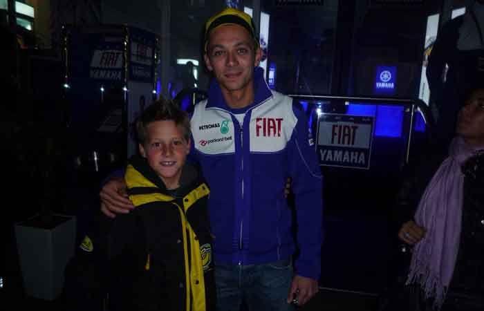 Fabio Quartararo kanak-kanak dengan Valentino Rossi