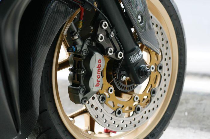 Ilustrasi rem cakram aftermarket di Yamaha XMAX