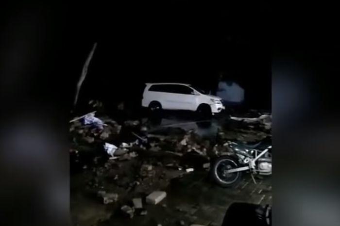 Puluhan motor rusak berat terkena tsunami Banten