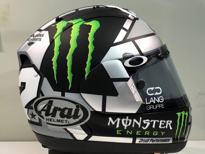 Helm baru dengan desainnya dari Drudi Performance yang juga nangani desain helm Valentino Rossi