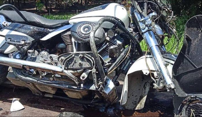 Harley-Davidson hancur usai menabrak seorang petani di Kebumen, Jateng.